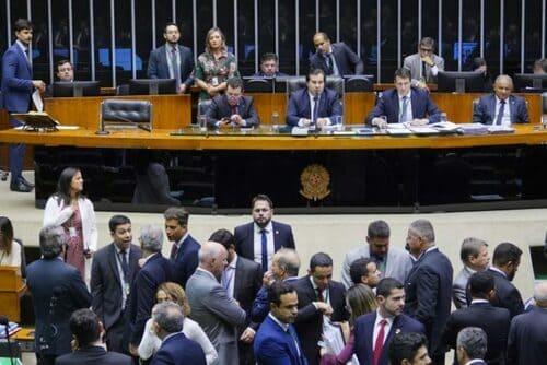 Câmara inicia o golpe da água e escancara o saneamento para a privatização