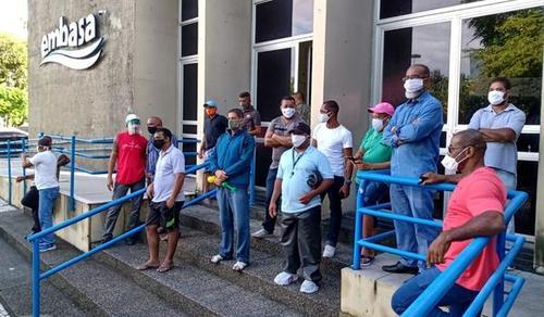 Vigilantes da Vipac voltam a ocupar sede da Embasa em novo protesto contra atraso de salário