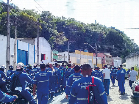 Trabalhadores terceirizados da Embasa sofrem com atraso de salários e desrespeito a direitos mínimos