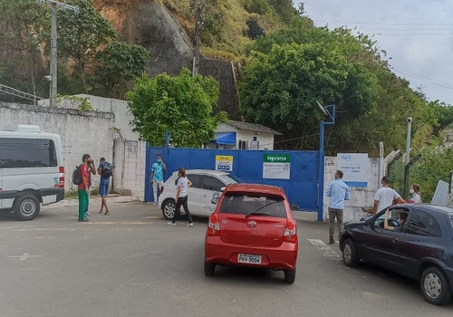 Após acordo emperrar, sindicato faz paralisação na BRK Ambiental Jaguaribe